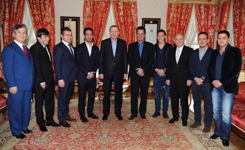 Futbolculardan başbakana ziyaret !