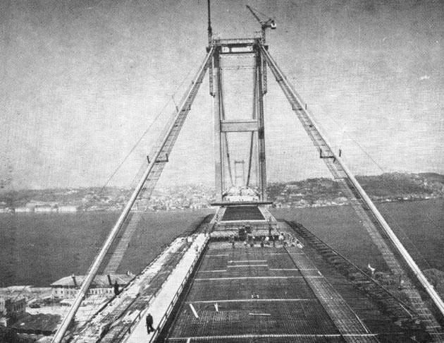 Boğaziçi Köprüsünün 42. yıl dönümü