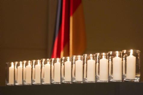 Almanya 12.00de Türkler için sustu