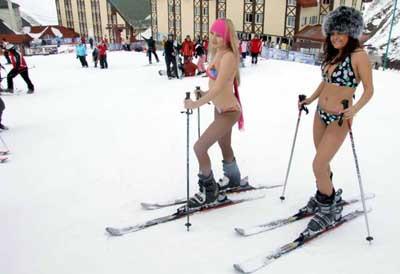 Bikiniyle kayak keyfi