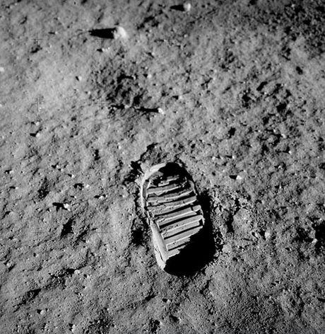 İnsanlığı değiştiren o adım gerçekten atıldı mı?