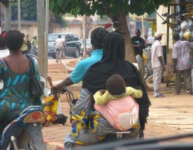 Böyle şeyler sadece Afrikada olur!