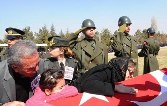 12 şehit için Ankarada tören