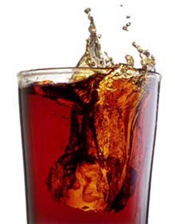 1 bardak kola 1 saatte vücutta neler yapıyor?