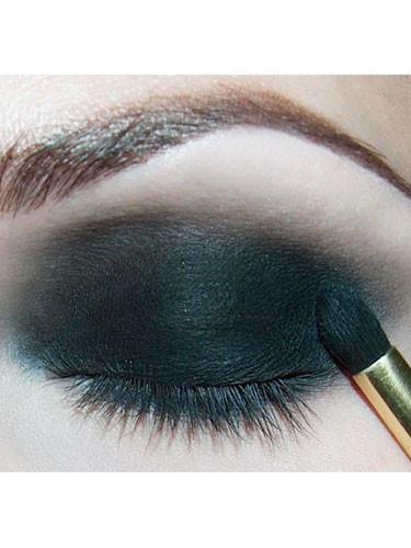 Versace göz makyajının sırları