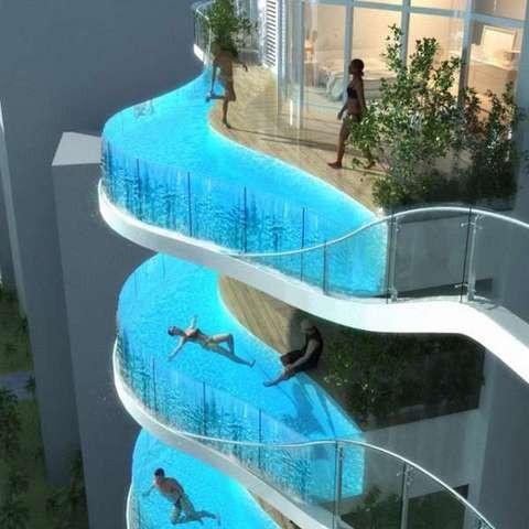 Gökdelen balkonunda havuz keyfi!