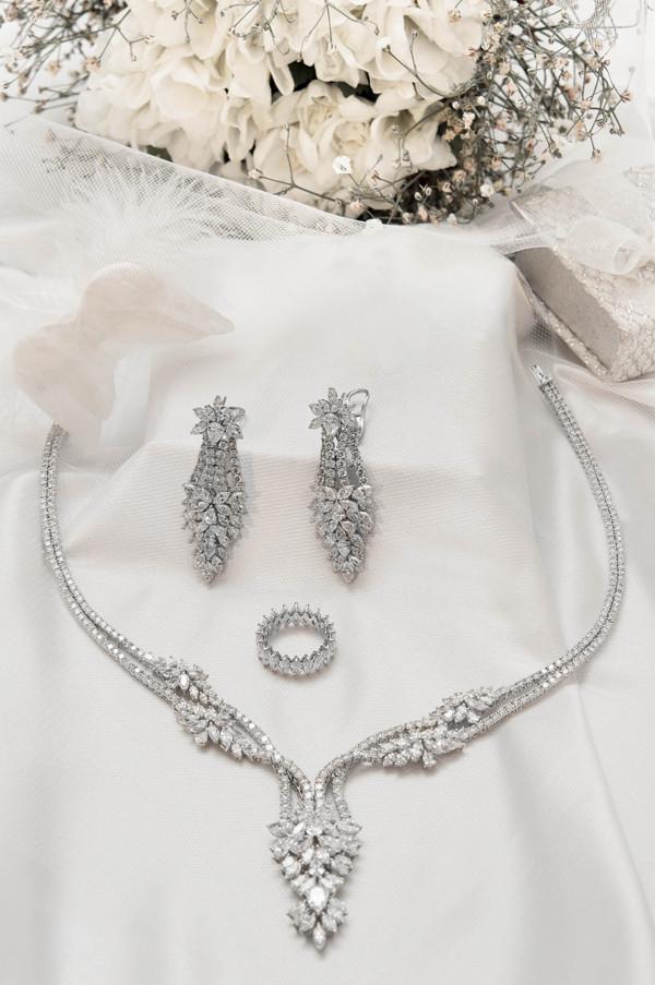 Gelinler Janna Diamond Takıları ile Göz Kamaştıracak