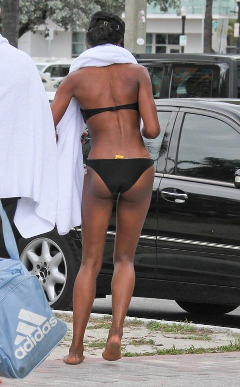 Naomi tatilde yakalandı