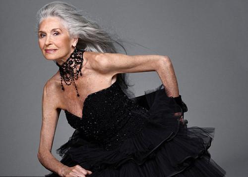 80 yaşında podyumda