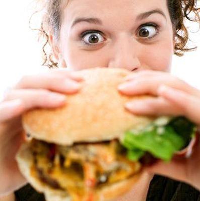 Düzensiz beslenme mutsuz ediyor!