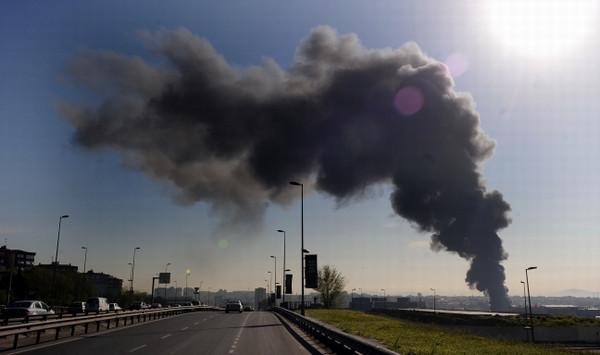 İstanbulda korkutan yangın !
