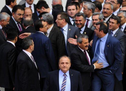 Akdağ ile MHPli Vural Mecliste fena kapıştı