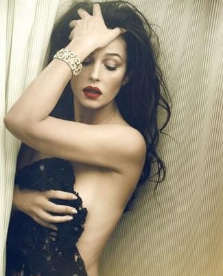 Monica Belluci Vanity Fair kapağında