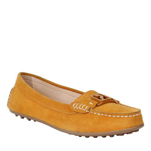 Charles&Keith'den Annelere Şık Ayakkabılar…