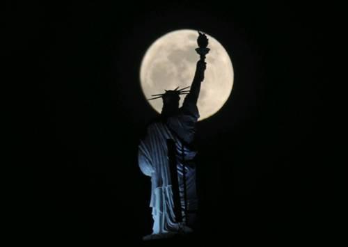 Ay dünyaya hiç bu kadar yakın olmamıştı