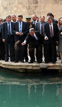 Cumhurbaşkanı Gül, Balıklıgölü ziyaret etti