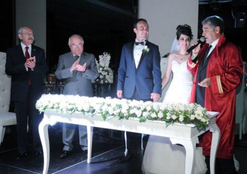 İktidar ve muhalefet aynı düğünde