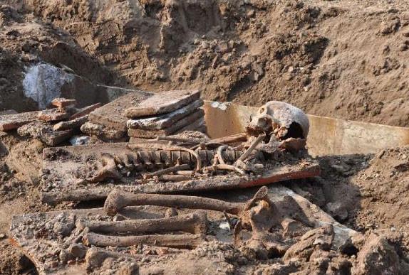 Sakaryada 2500 yıllık lahit