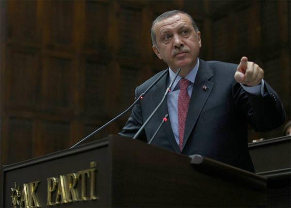 Erdoğan boks eldiveni giydi