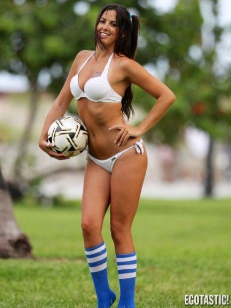 Claudia Romaninin futbol aşkı