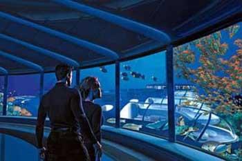 Deniz altına 7 katlı otel