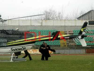 Bakan Günay helikopter pervanesinden zor kurtuldu