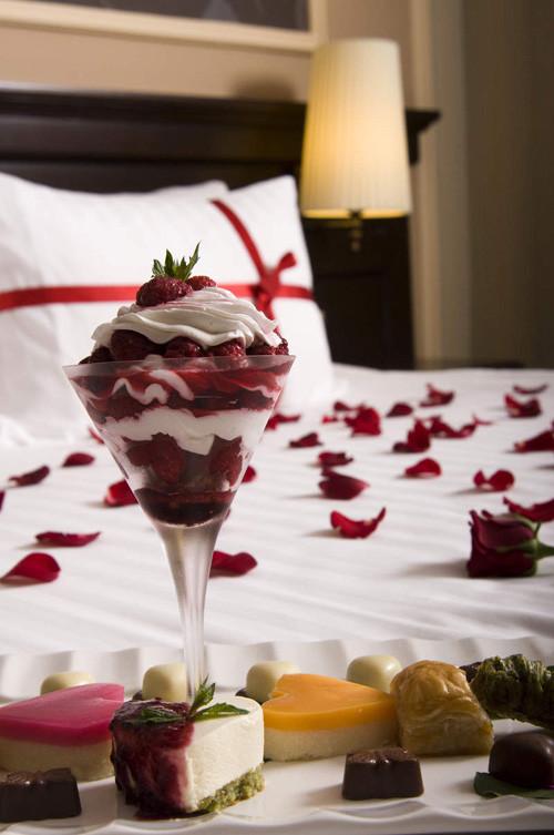 Bu oteller romantik çiftleri bekliyor