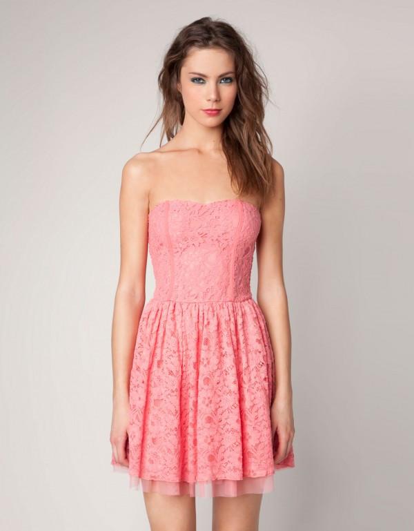 Bershka'dan Sezona Damgasını Vurabilecek Elbise Tasarımları