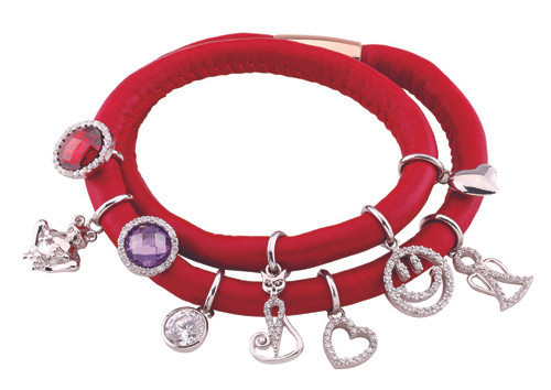 SEZGİN JEWELS Friendly Collectionda Charm bileklik modası