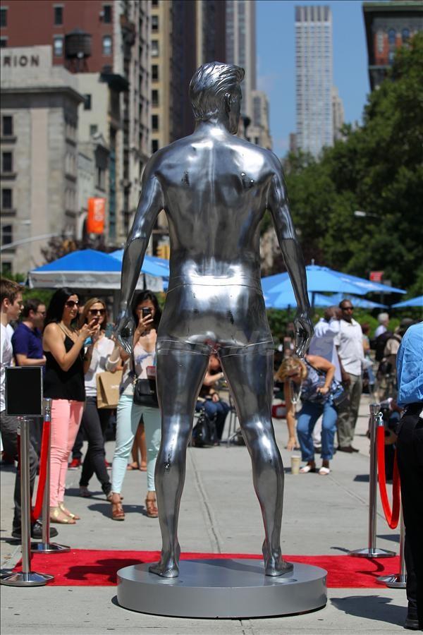 Olay yaratan heykeller