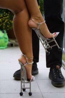 En garip topuklu ayakkabılar