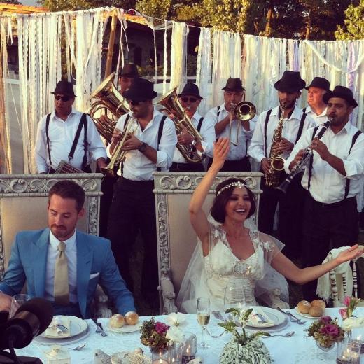 Hande Ataizi evlendi !