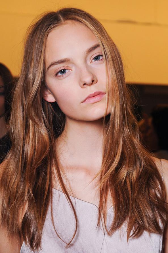 Yaz için dalgalı saç modelleri