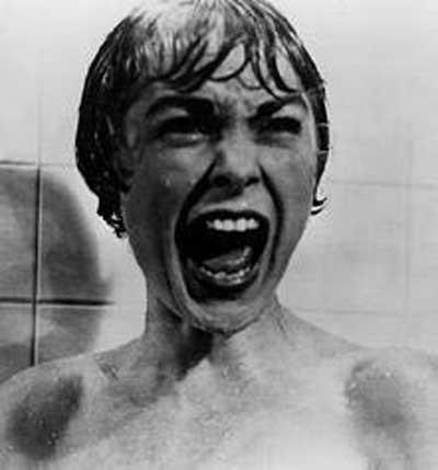 Jessica Alba korku tünelinde !