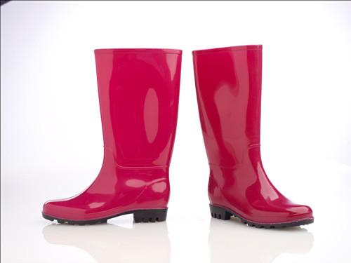 FLO yağmur çizmeleri her ayağa lazım