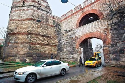 İstanbulun kayıp kapıları
