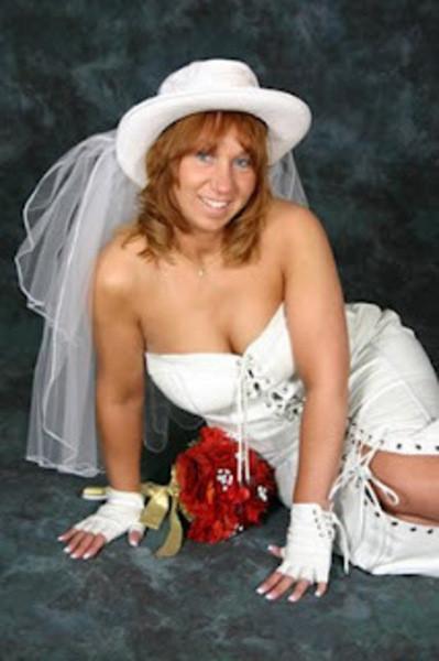 Evliliği başlamadan bitirecek gelinlikler!