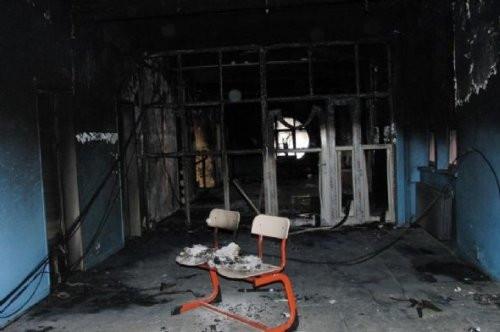 Aynı okulu ikinci kez yaktılar