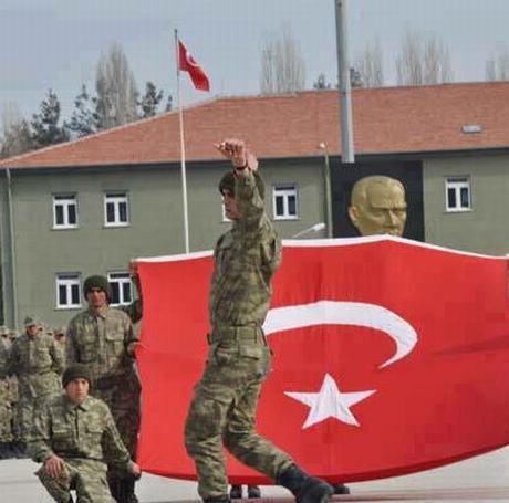 Mehmetçik bu fotoğrafları paylaşıyor