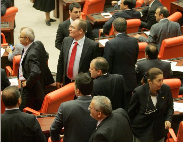 Suriye tezkeresi Mecliste