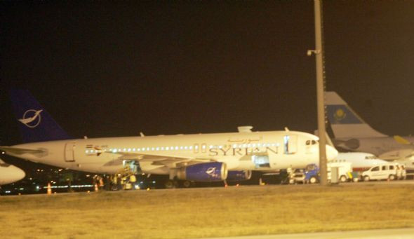 Türk jetleri Suriye uçağını Ankaraya indirdi