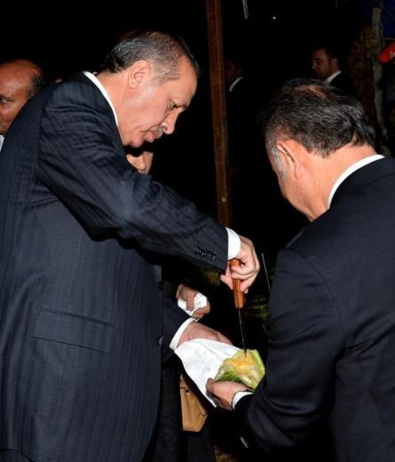 Başbakandan Kızılcahamama giderken kavun molası