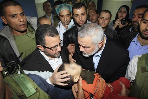 Gazzede bombardıman devam ediyor