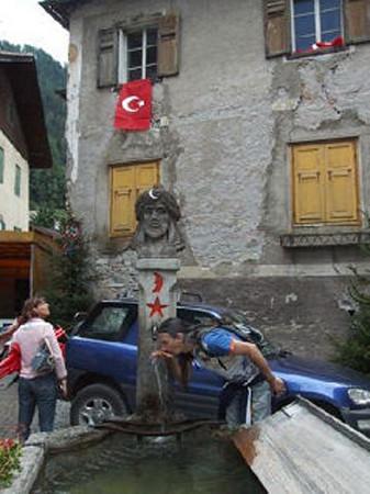 324 yıldır Türk gibi yaşıyorlar