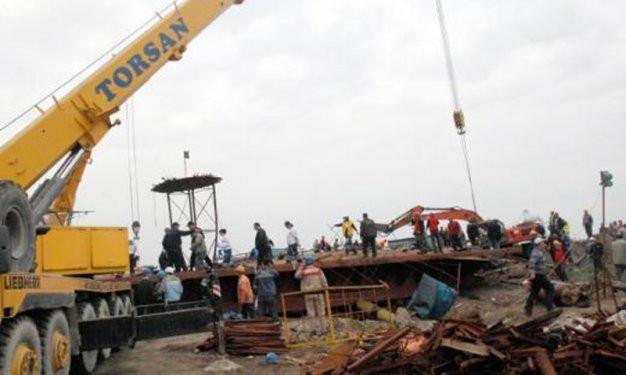 Samsunda 30 tonluk kapak çöktü