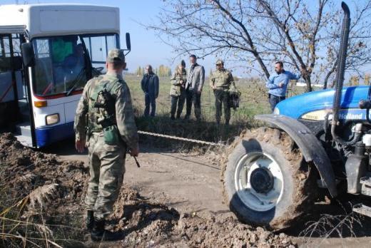 NATO heyeti çamura saplandı