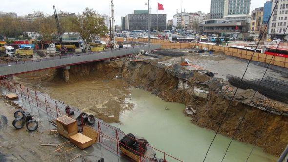Taksim meydanı göleti