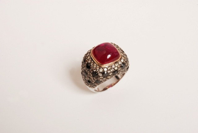 Mücevher modasının yıldızı ZORAB