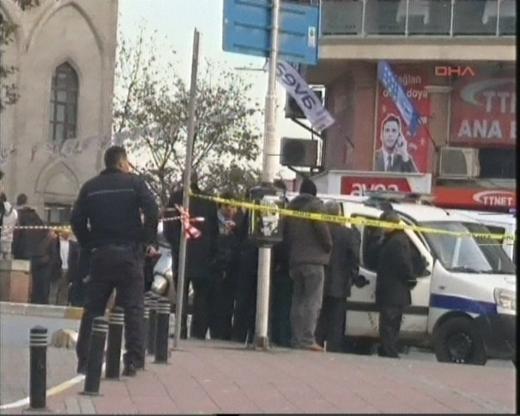 İstanbulda polise saldırı