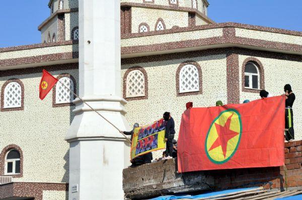 PKKlı cenazesinde ortalık savaş alanı!